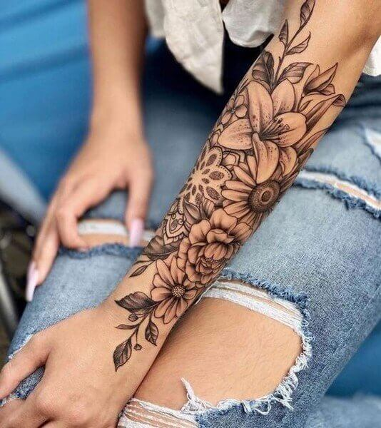 butterfly tattoo on hand for girl